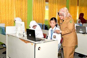Wakil Bupati Natuna Tinjau UNBK di SMA Negeri 1 Bunguran Timur dan MAN 1 Ranai