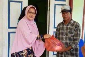 Wabup Natuna mengunjungi Korban Kebakaran Rumah di Desa Ceruk