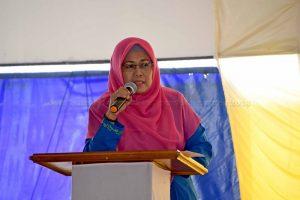 Baznas Provinsi Kepri Serahkan Bantuan  kepada Siswa SMA dan Pelaku Usaha Kecil di Kabupaten Natuna