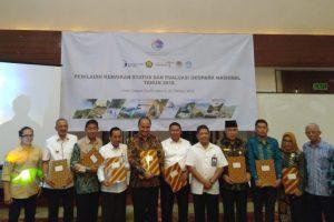 Bupati Natuna Menandatangani Komitmen Pengembangan Natuna Sebagai Geopark Nasional.