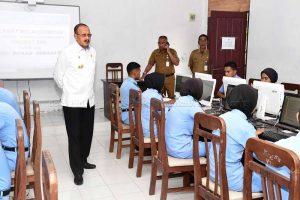 Bupati Natuna : Peserta UNBK Harus Persiapkan Diri untuk Raih Kelulusan
