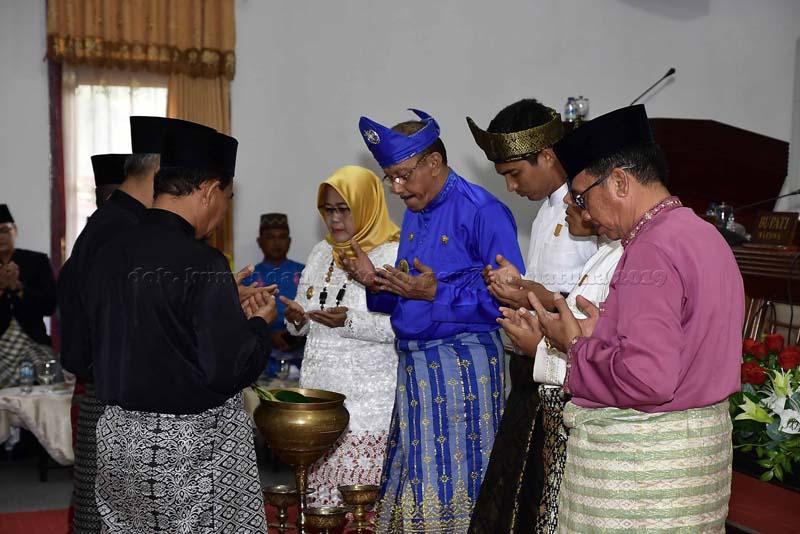 Bupati Natuna Sampaikan Pidato HUT Kabupaten Natuna ke 20 Tahun 2019 melalui Sidang Paripurna DPRD Natuna