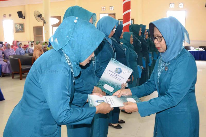 Hj. Nurhayati Hamid Rizal Lantik 11 Ketua TP PKK Kecamatan di Kabupaten Natuna